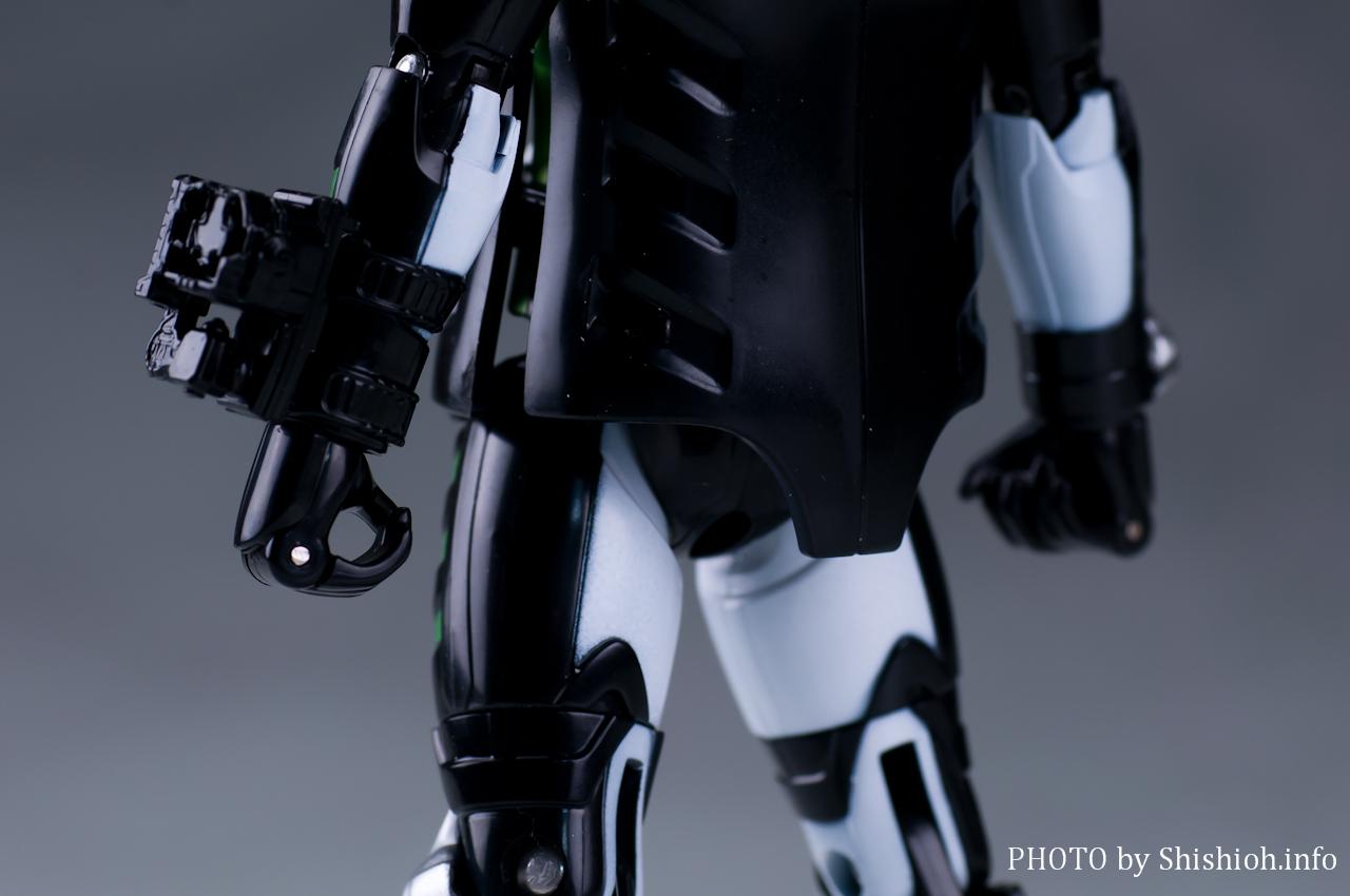 GC09 仮面ライダーネクロム