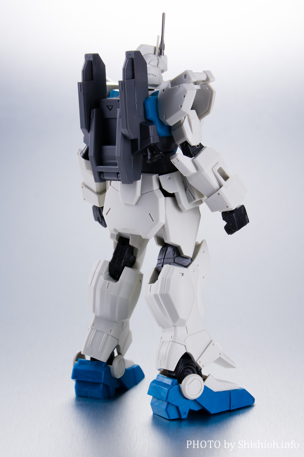 GUNDAM UNIVERSE RX-79[G] Ez-8 GUNDAM Ez8