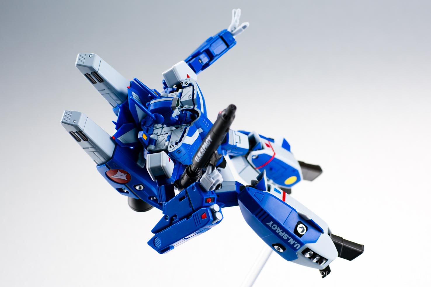 HI-METAL R VF-1J スーパーバルキリー(マクシミリアン・ジーナス機)