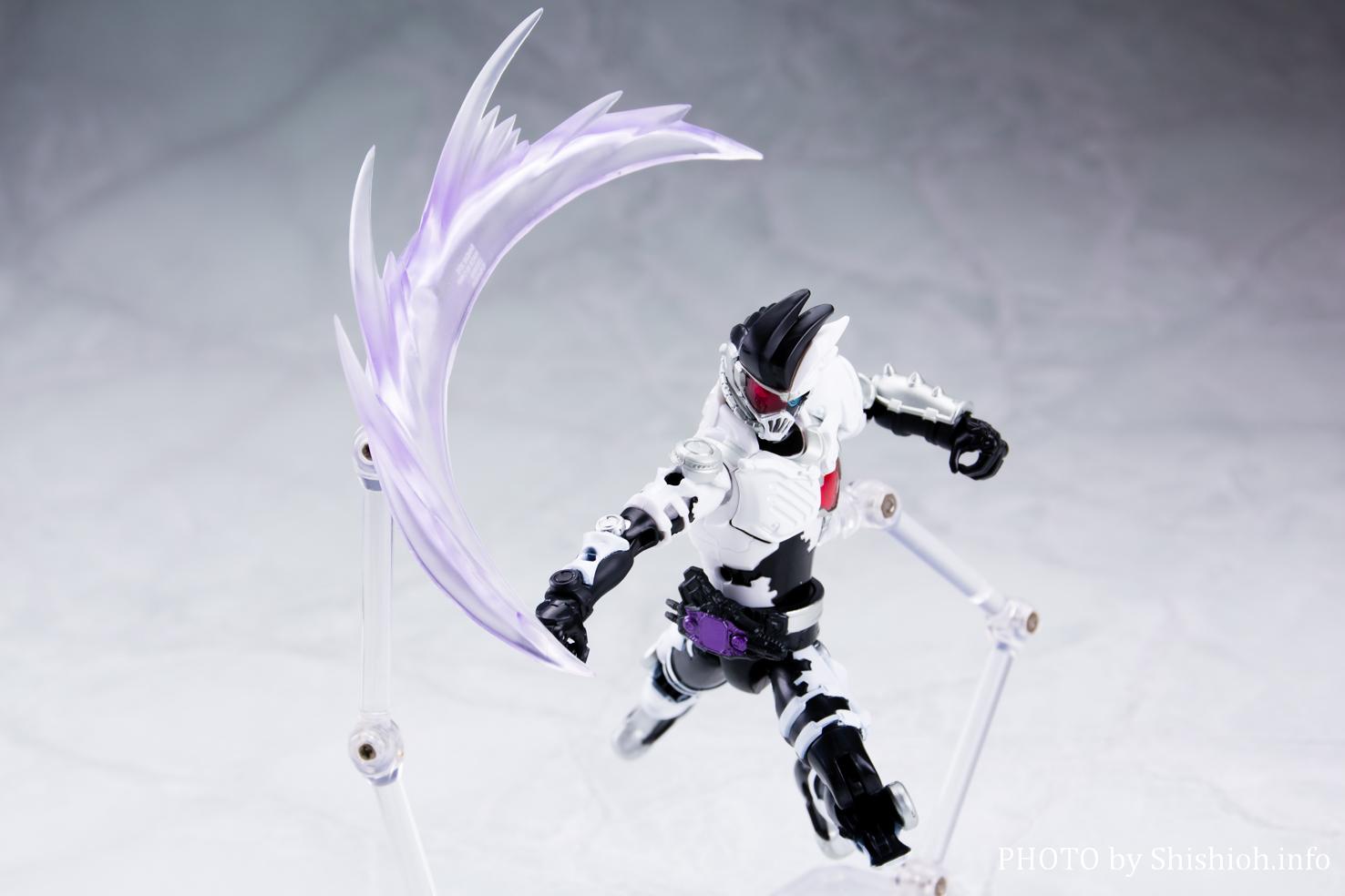 LVUR13 仮面ライダーゲンム ゾンビゲーマー