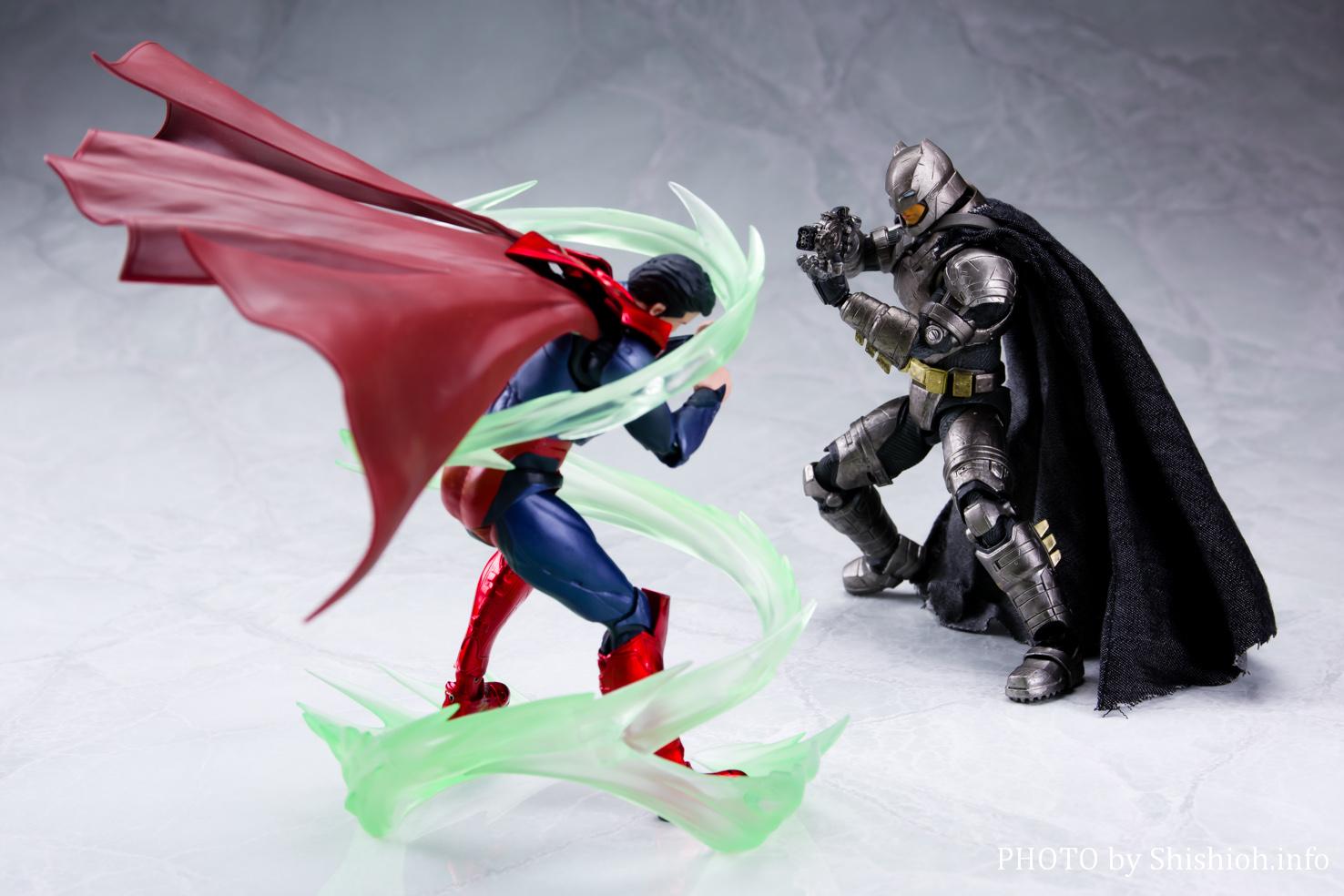 MAFEX アーマードバットマン