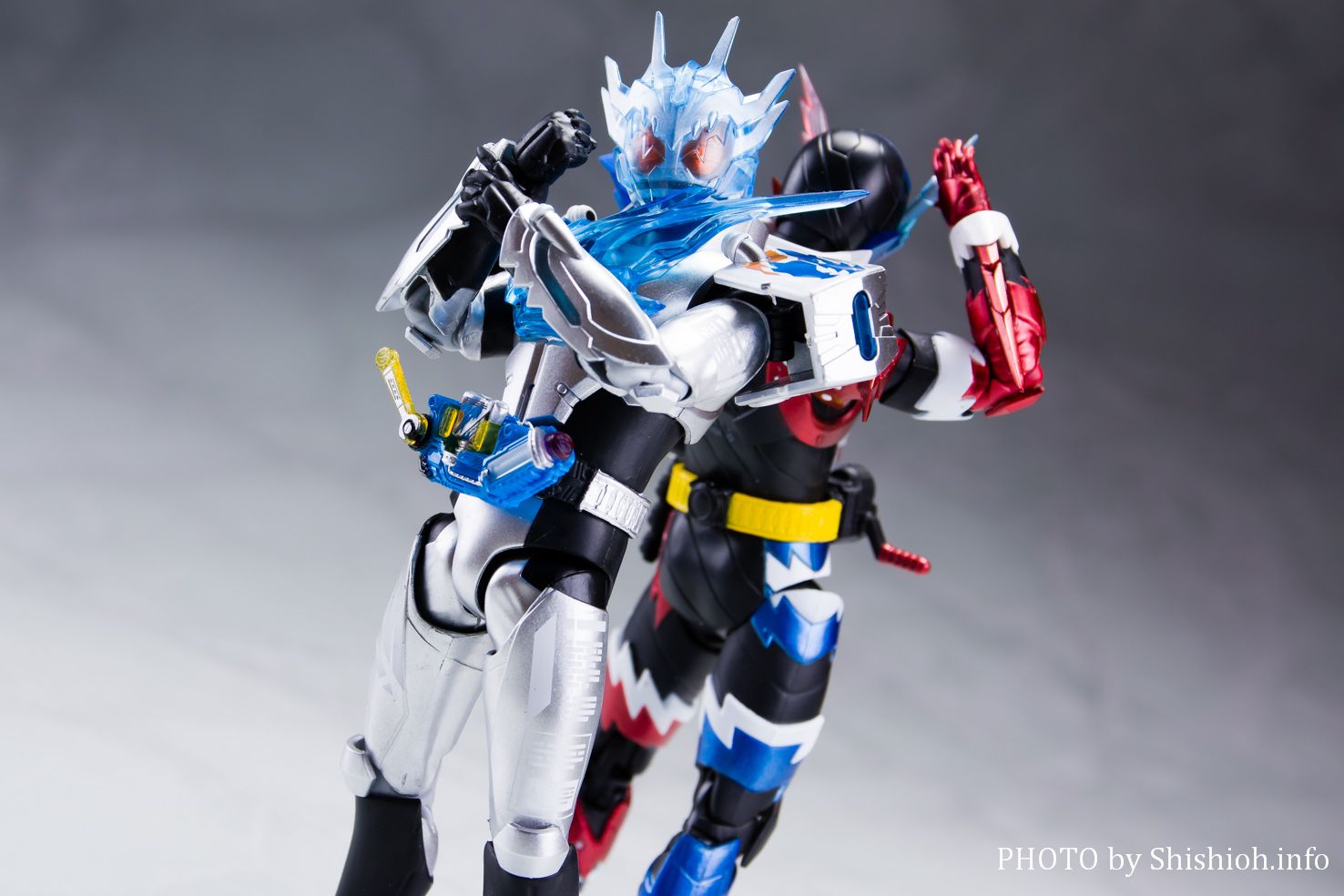 S.H.Figuarts 仮面ライダークローズチャージ