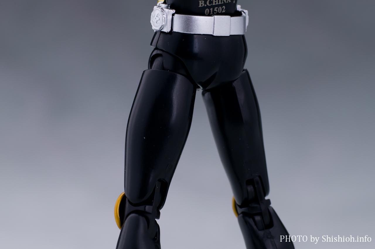 S.H.フィギュアーツ 仮面ライダークウガ ライジングドラゴン