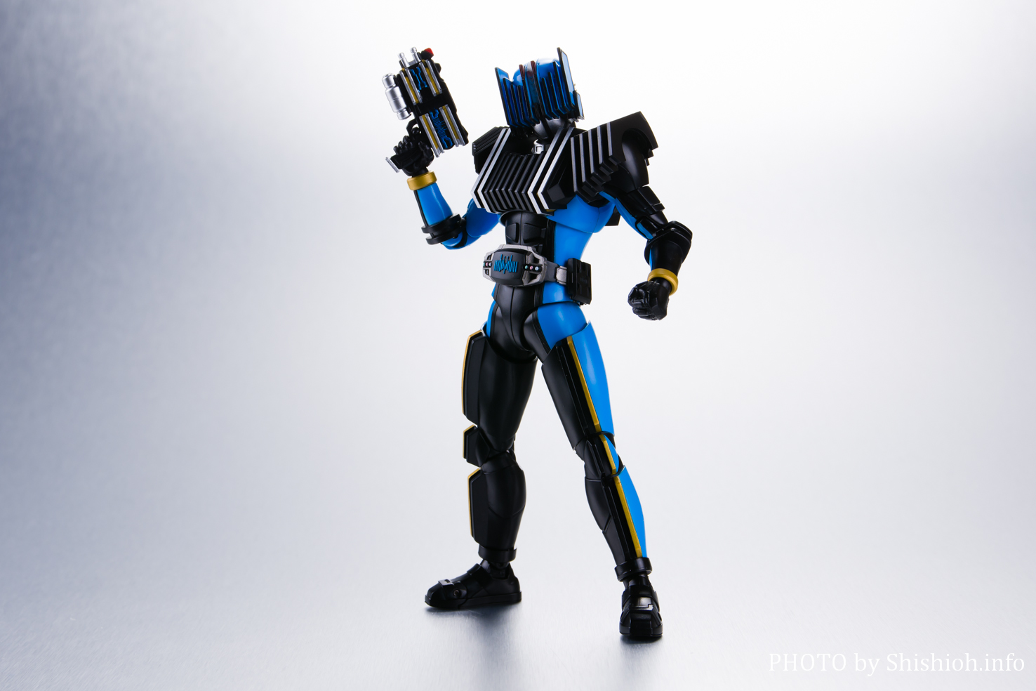 S.H.Figuarts(真骨彫製法) 仮面ライダーディエンド
