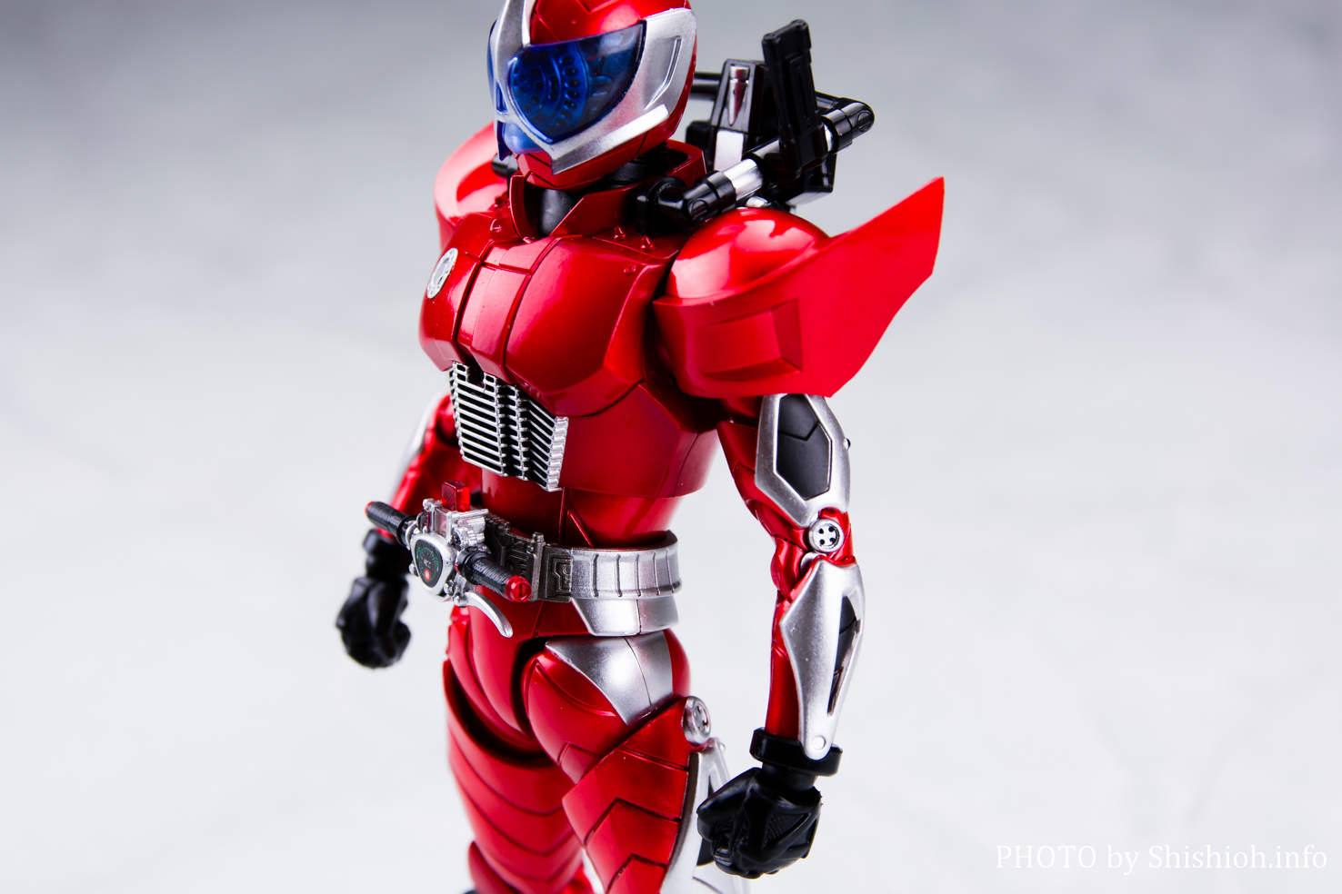 S.H.Figuarts(真骨彫製法)仮面ライダーアクセル