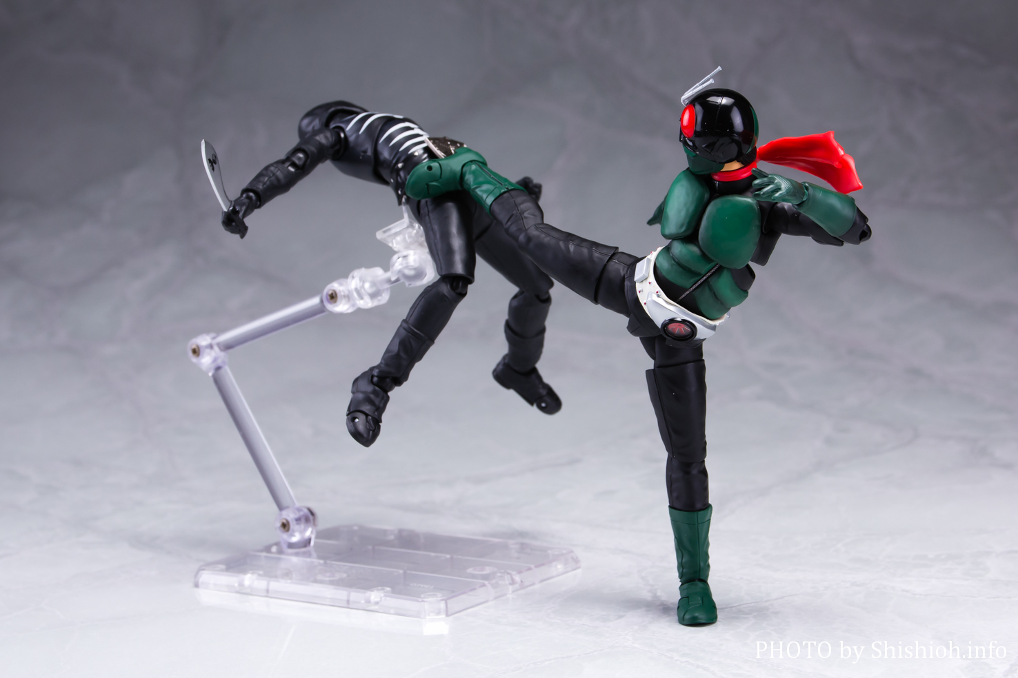 S.H.Figuarts(真骨彫製法) 仮面ライダー1号(桜島Ver.)