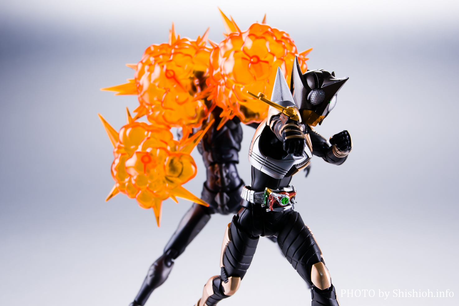 S.H.Figuarts(真骨彫製法) 仮面ライダーパンチホッパー